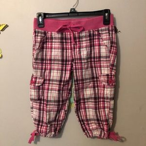 SO pink plaid girl's elastic cropped pants!